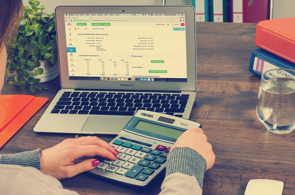 Top 5 Added Benefits of Outsourcing Accounts That Every Entrepreneur Should Know